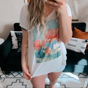 Lucky brand lucky lotus spring floral graphic tee
